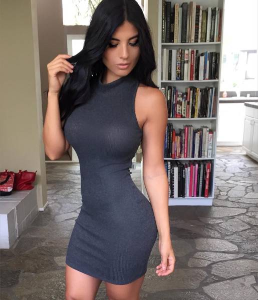 oh_my_those_tight_dresses_640_32