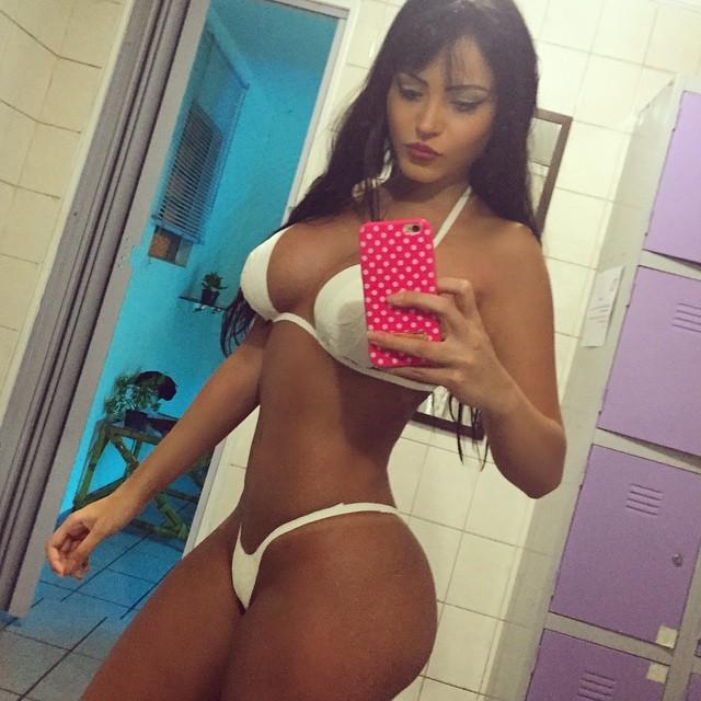 claudia-alende-a-gostosa-do-instagram-2