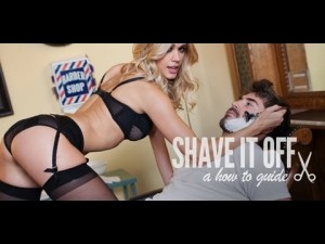Gostosa de lingerie te ensina a como se barbear
