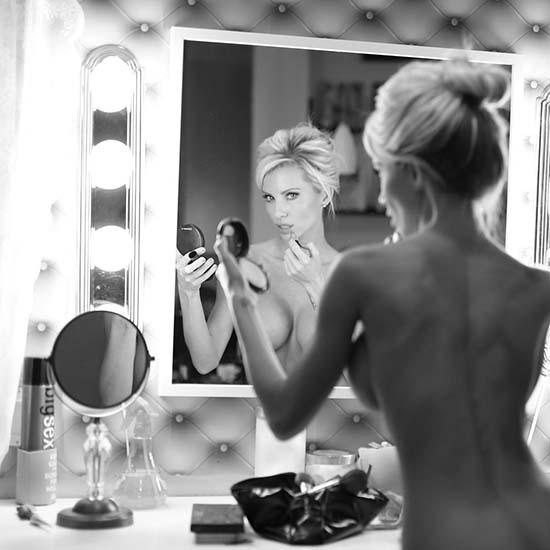 lynnie-marie-nua-espelho