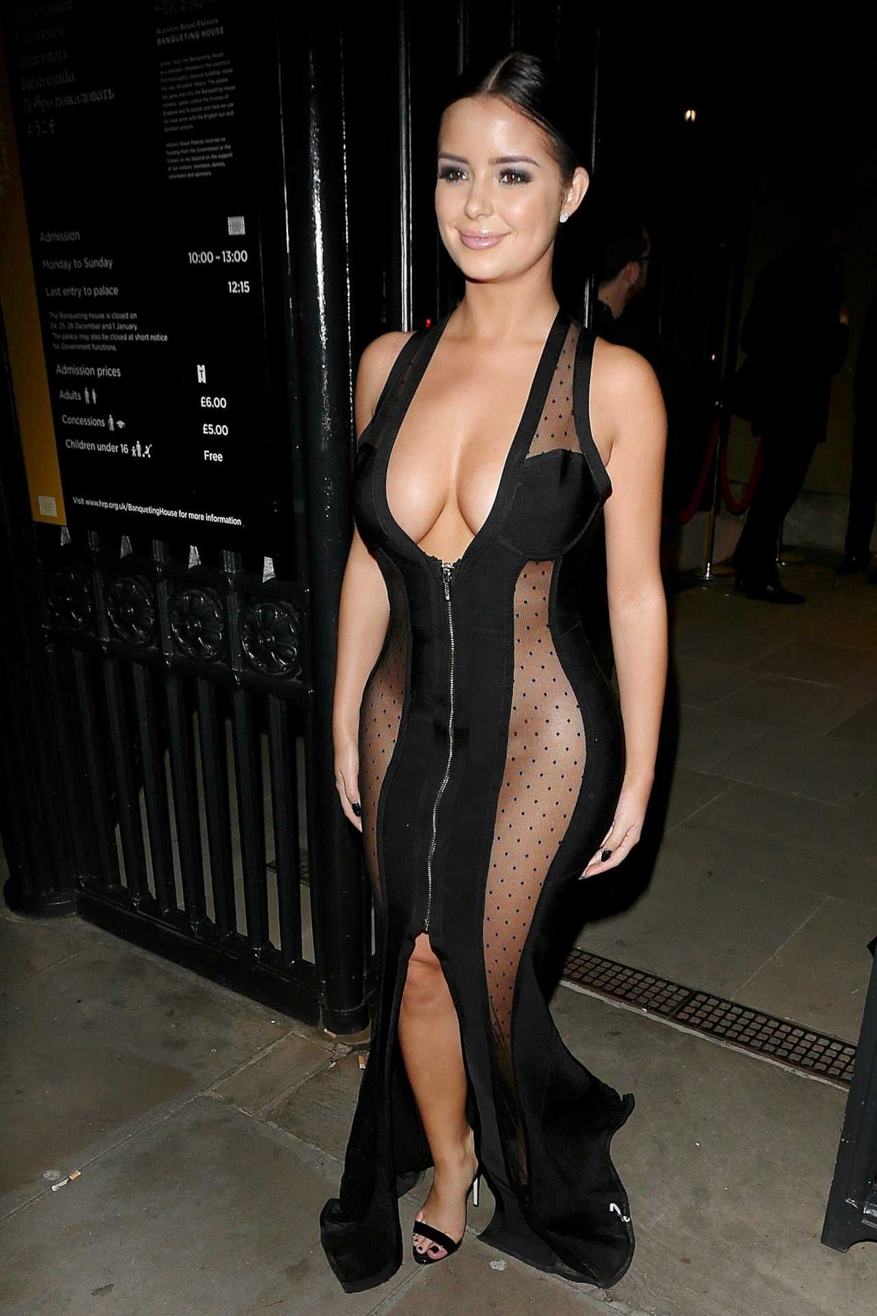 demi-rose-e-seu-vestido-sexy-no-beauty-awards-em-londres09