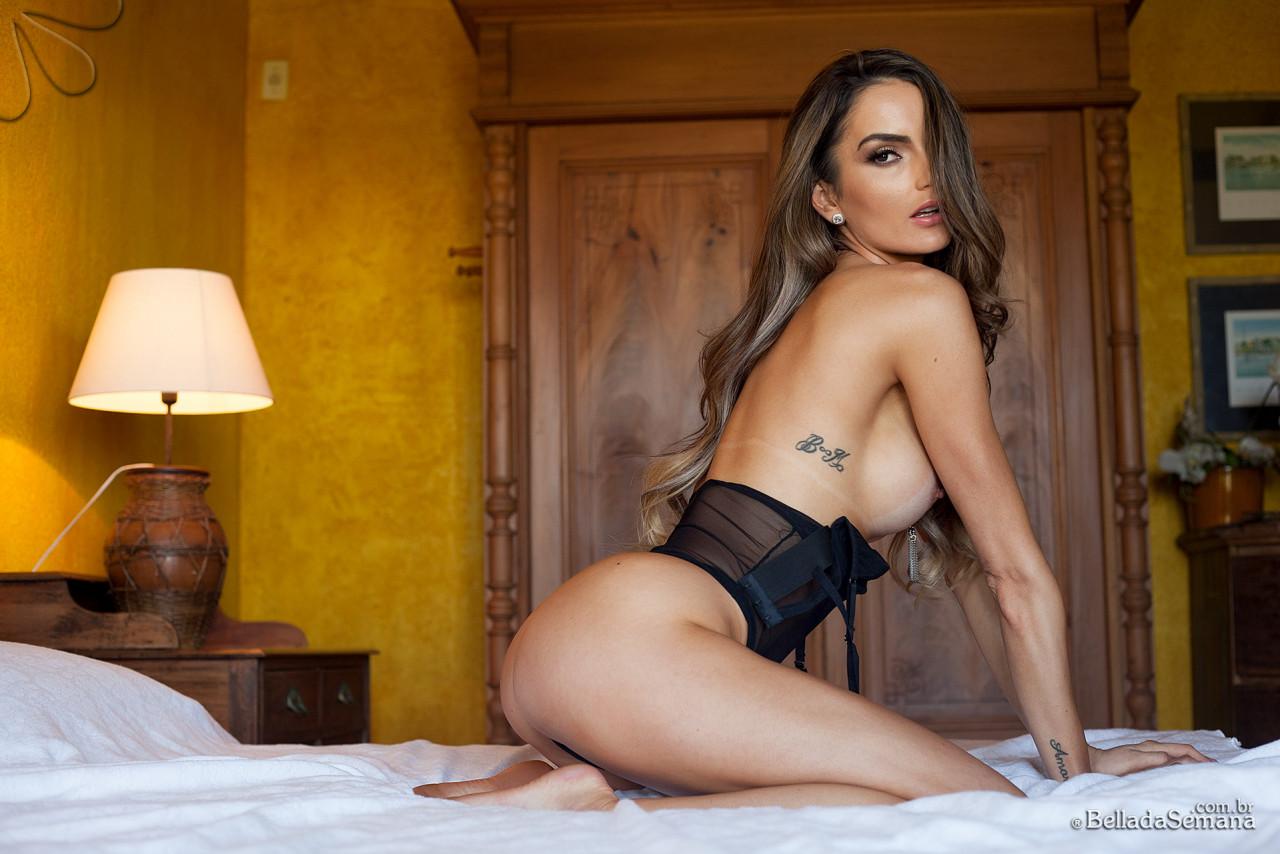 A linda Bruna Magro estreia na Bella da Semana