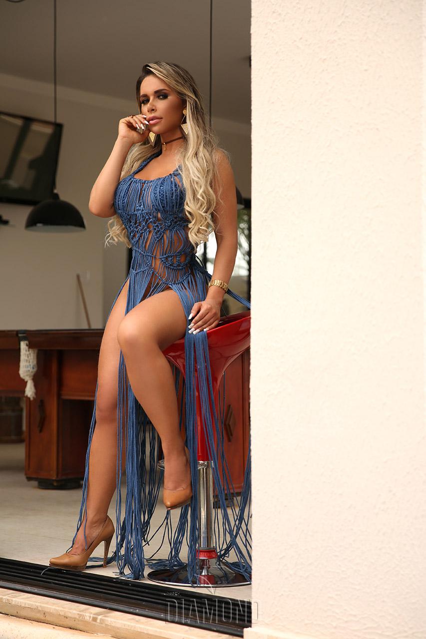 Ensaio sensual de Rafaela Ravena para o Diamond Brazil