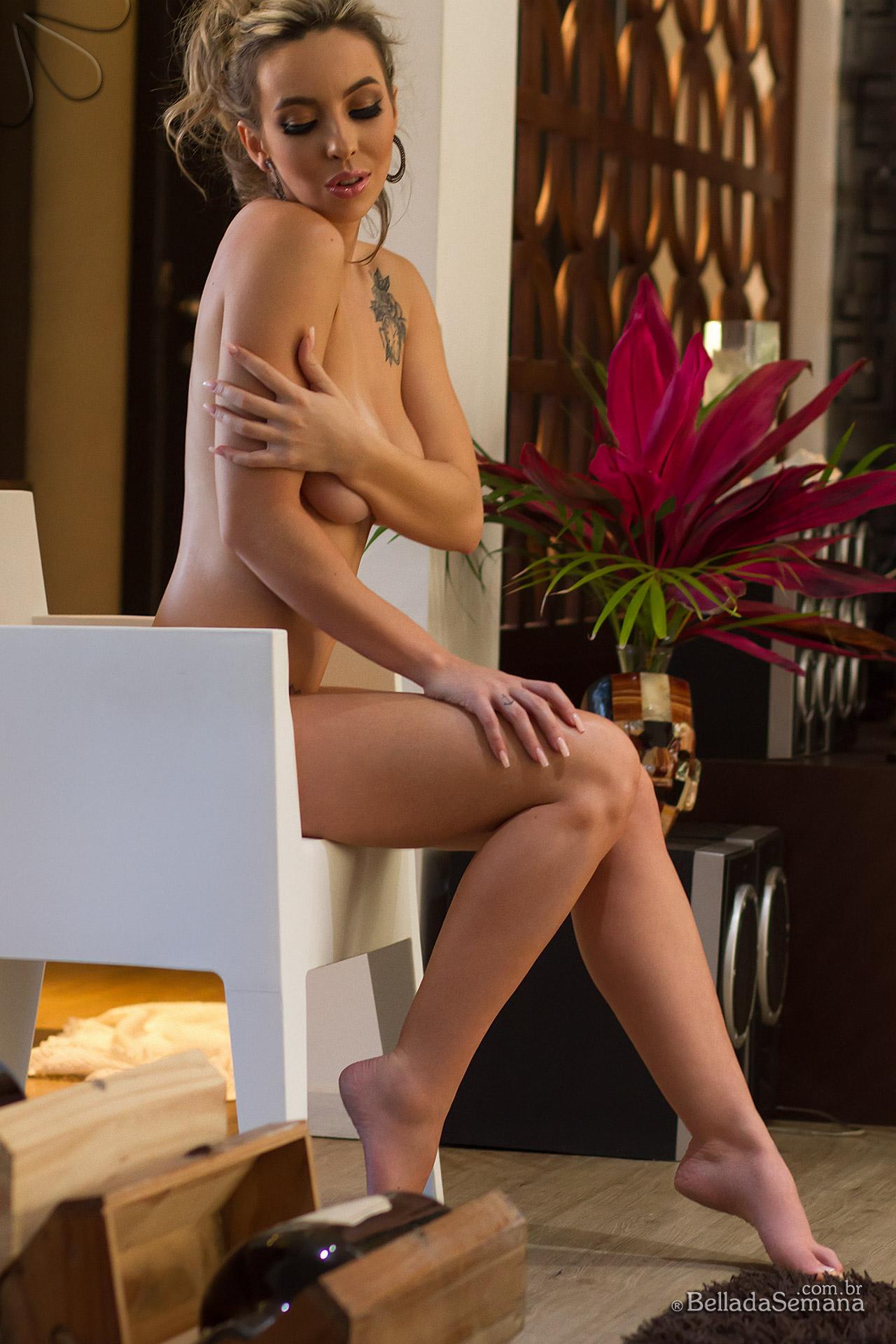 Jessica Meira é a nova beldade do Bella