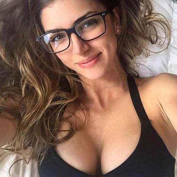 Lindas mulheres de óculos